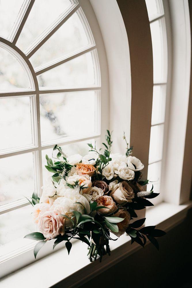 De Flora Event Flowers: 9040 Huntington Dr, San Gabriel, CA