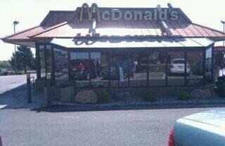 McDonald's: 1001 S 1st St, Hiawatha, KS