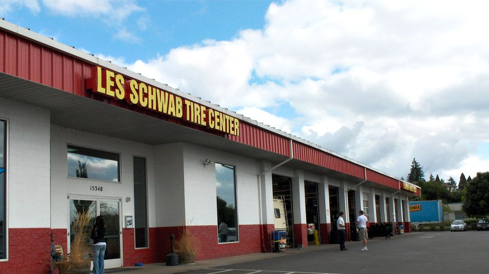 Les Schwab Tire Center: 15348 SW Pacific Hwy, Tigard, OR