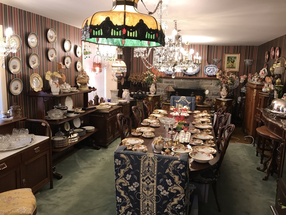 Stone Acre Manor Antiques: 1932 County Road 2, Brockville, ON
