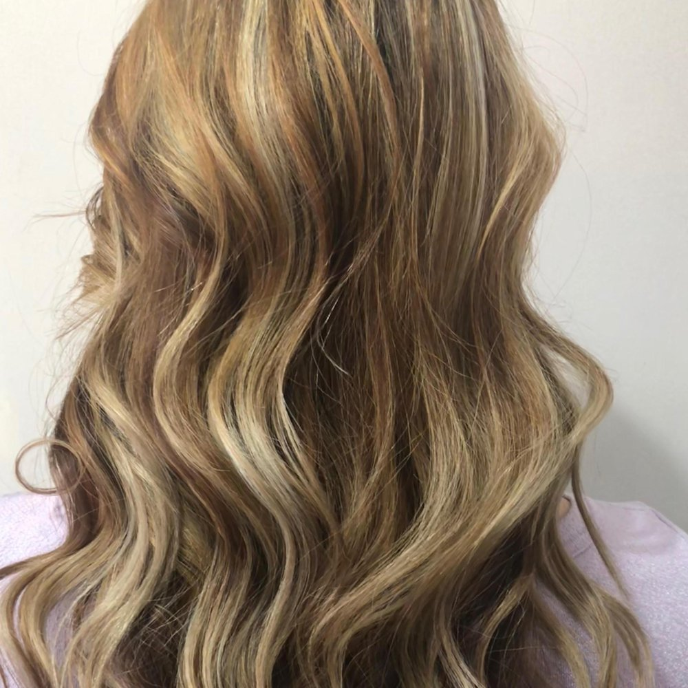 Kim Hooks Hair Design: 820 102nd Ave NE, Bellevue, WA