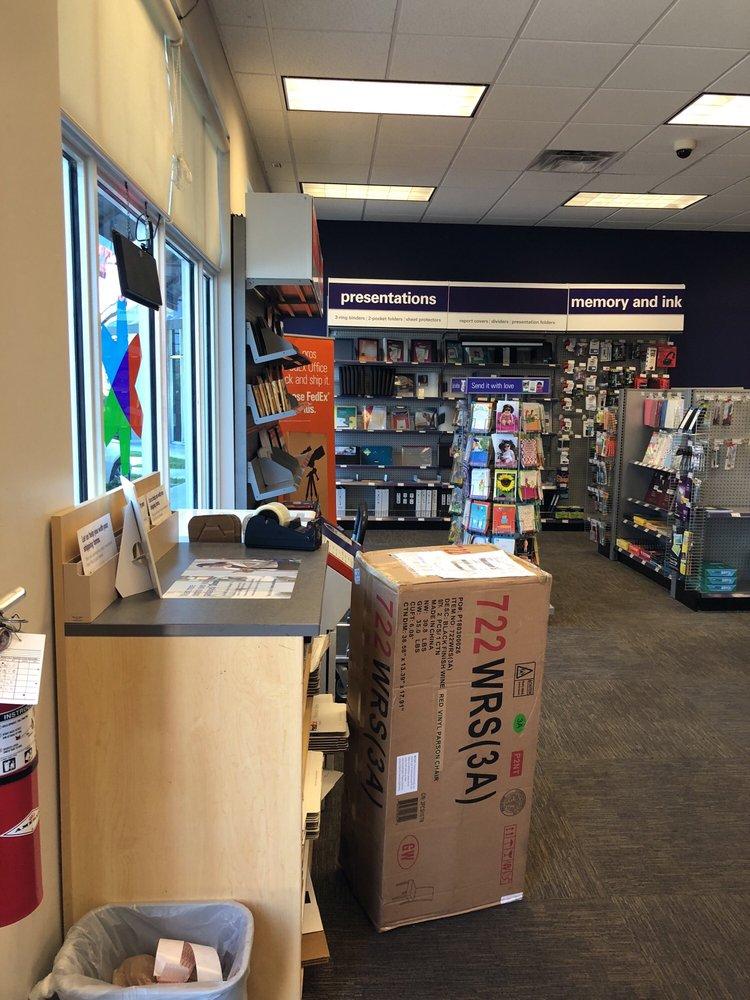 FedEx Office Print & Ship Center: 1587 N Federal Hwy, Fort Lauderdale, FL