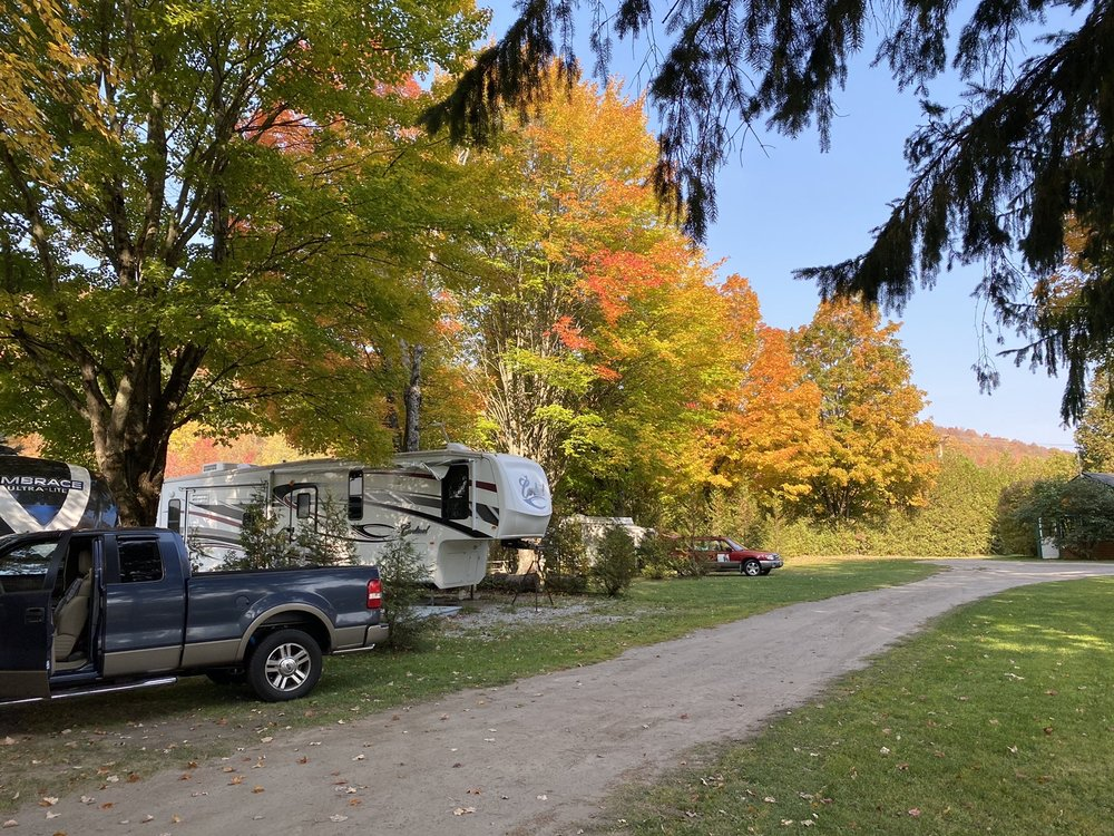 Meadowcrest Campground: 4239 US Rte 2, Marshfield, VT