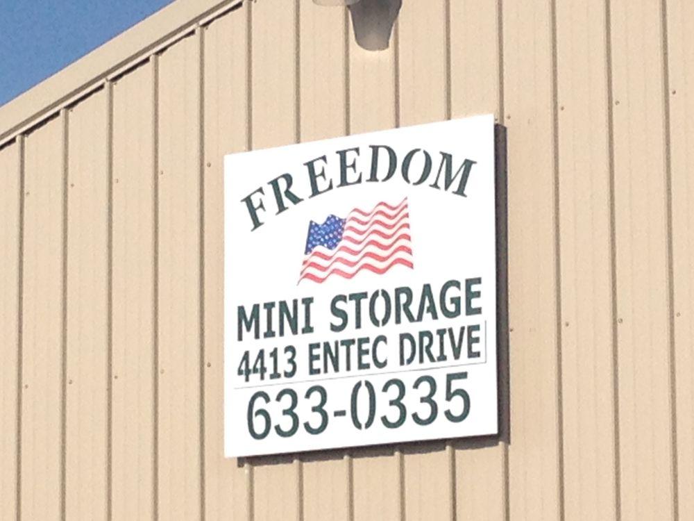 Freedom Mini Storage: 4413 Entec Dr, Bartonville, IL