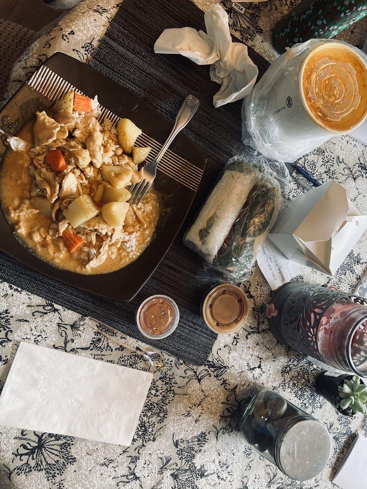 Dak Thai Cuisine: 2 W Oregon Ave, Creswell, OR