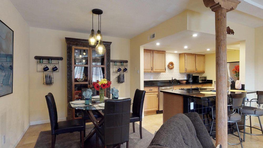Fridays Off In Santa Fe, Vacation Rentals & Property Management: 1210 Luisa St, Santa Fe, NM