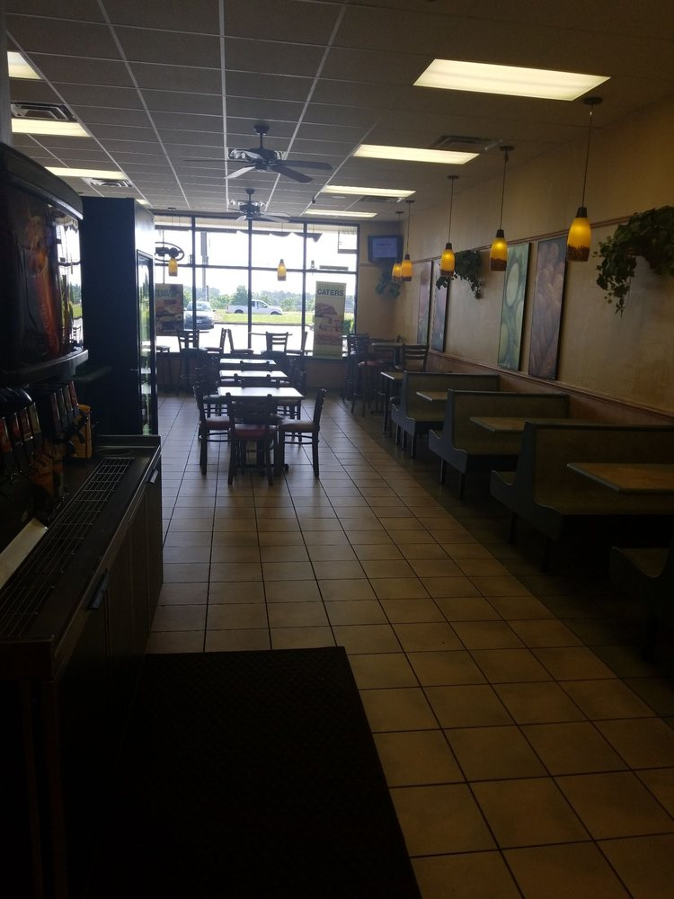 Subway: 1909 E Greenville St, Anderson, SC