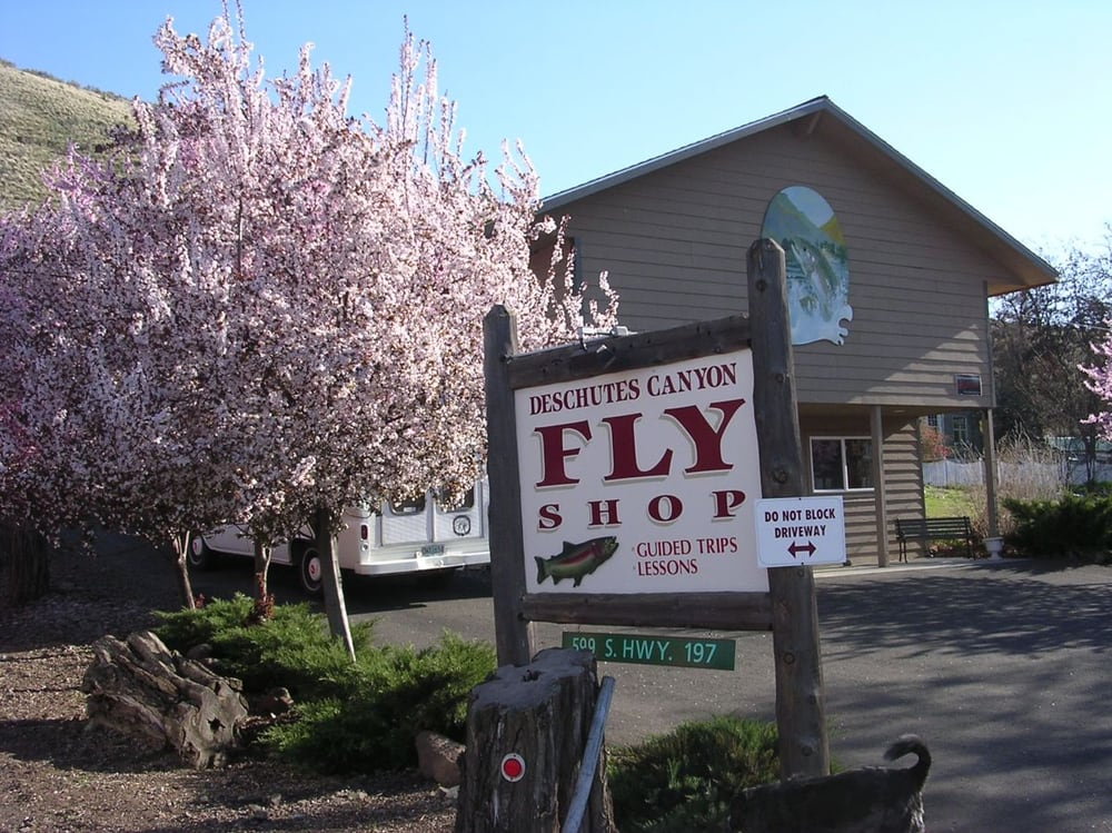 Deschutes Canyon Fly Shop: 599 S Hwy 197, Maupin, OR