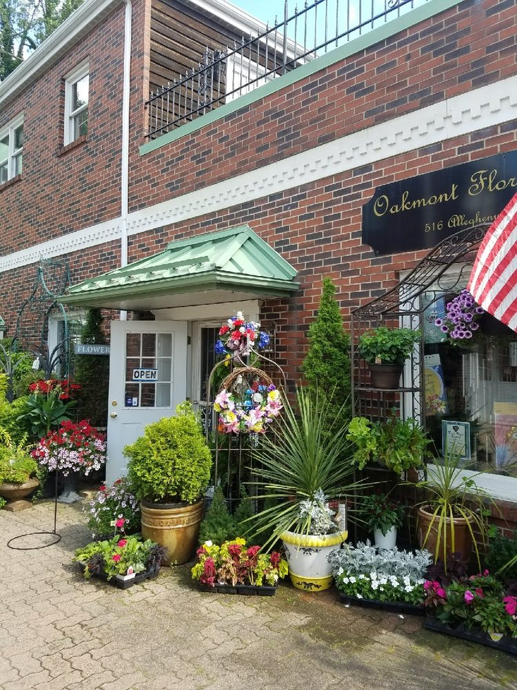 Cheswick Floral: 516 Allegheny River Blvd, Oakmont, PA