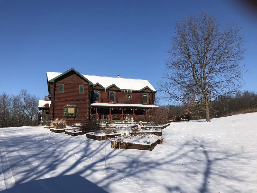 Silver Star Country Inn: 3852 Limmex Hill Rd, Spring Green, WI