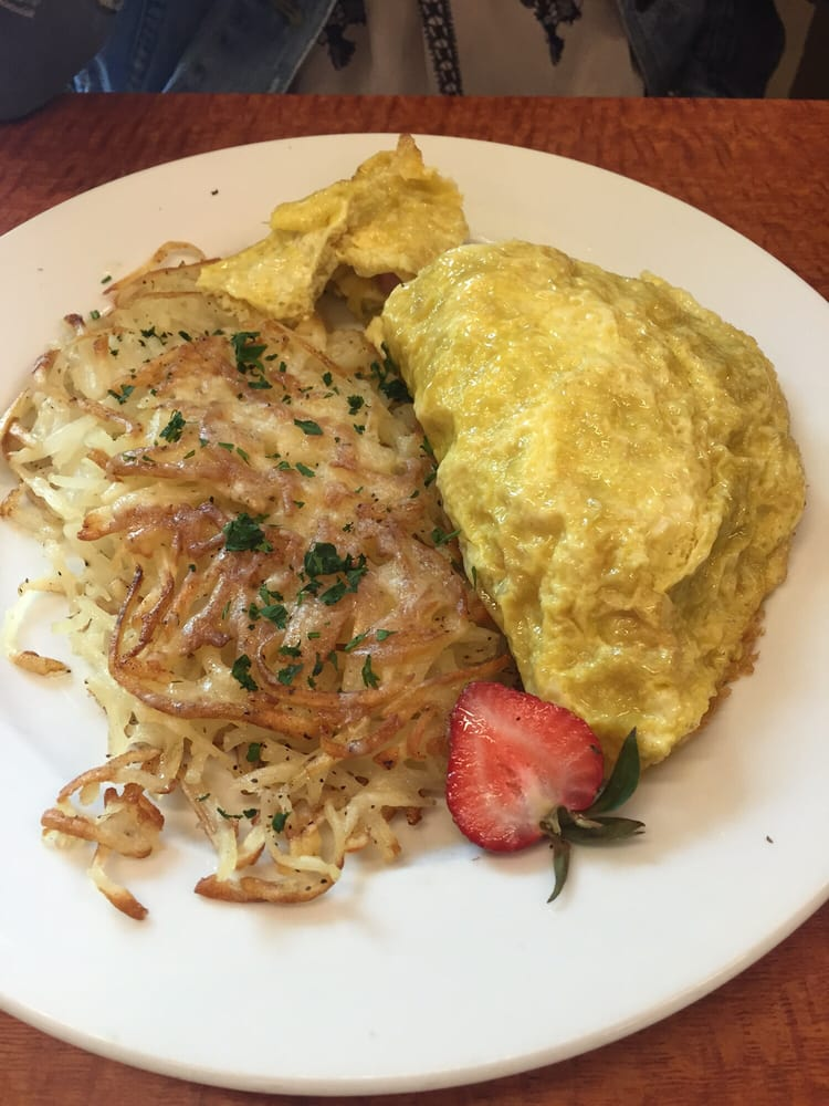 Green eggs and ham omelet with white cheddar hash browns ...