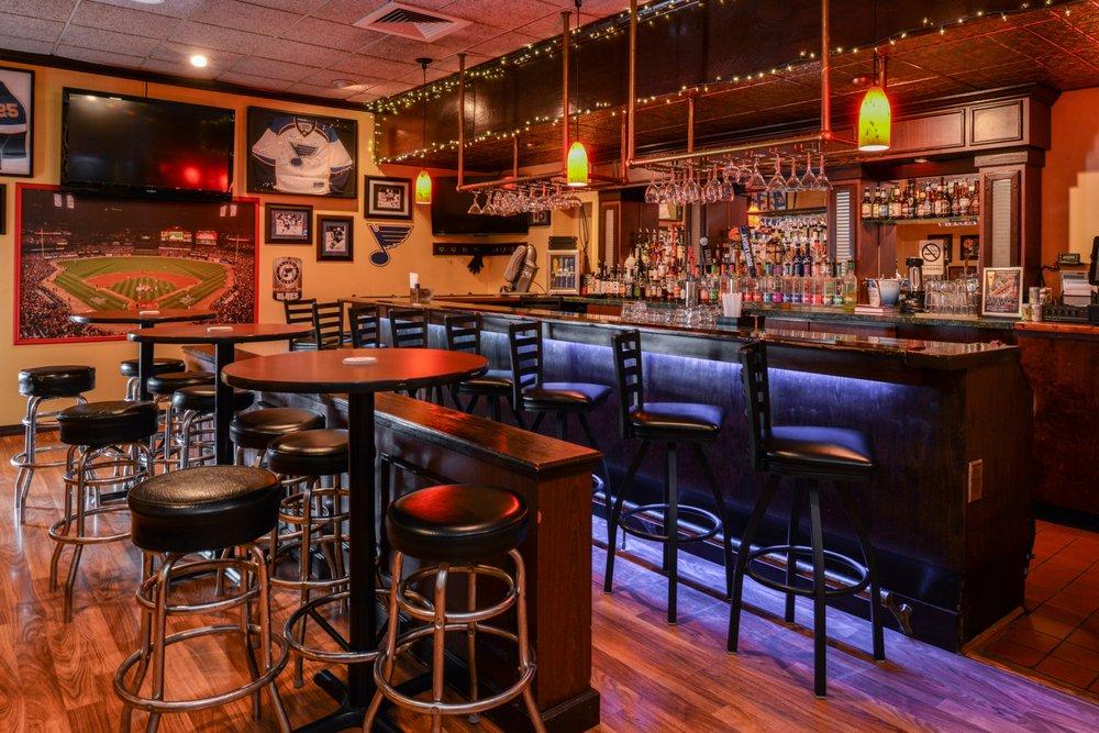Van's Tavern: 1200 S Kirkwood Rd, Kirkwood, MO