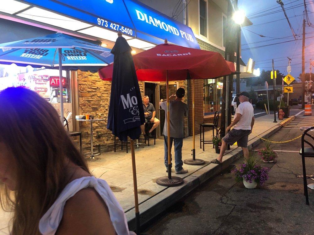 Diamond Wine & Liquors: 203 Diamond Bridge Ave, Hawthorne, NJ