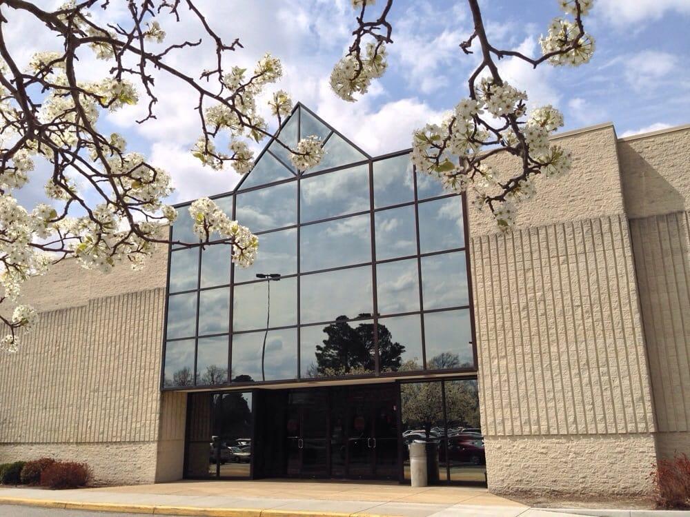 Chesapeake Square Mall: 4200 Portsmouth Blvd, Chesapeake, VA