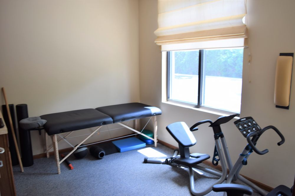Evolve Chiropractic - Woodstock: 2440 Lake Shore Dr, Woodstock, IL