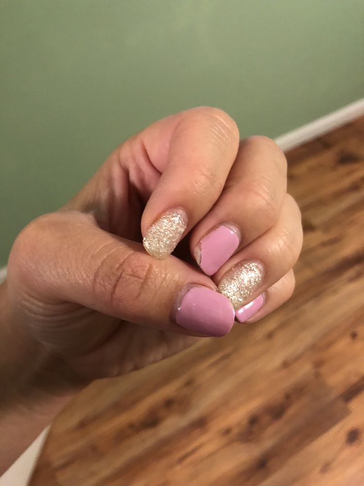 Ivy Nails & Spa: 40120 Hwy 41, Oakhurst, CA