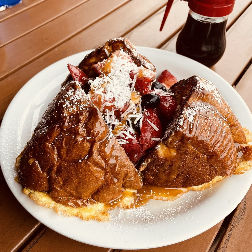 Annie's Cafe: 32251 Mission Trl, Lake Elsinore, CA