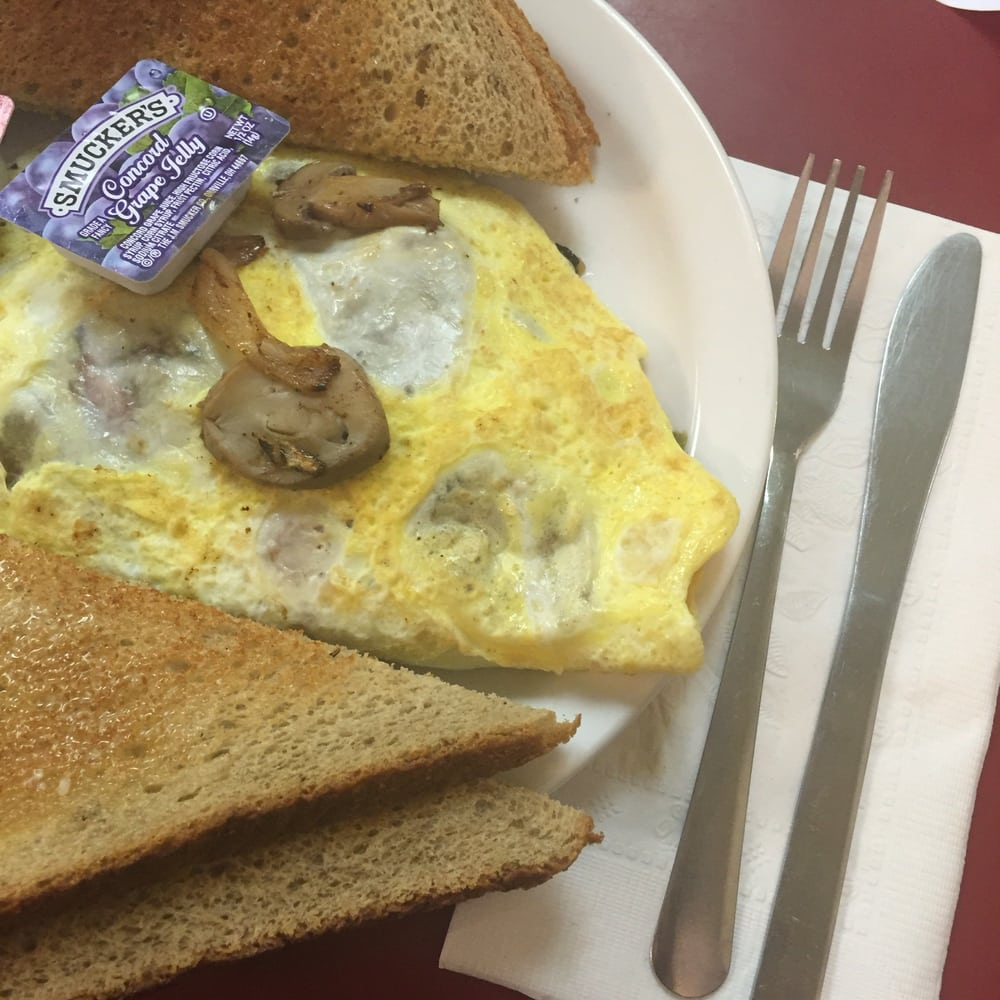 Crossroads Cafe: 101 N Main St, Topeka, IN