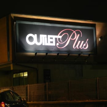 Outlet Plus - Outlet Stores - Via Copernico 4, Sesto Fiorentino ...