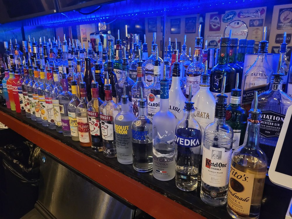 Donahue's Pub: 783 S Franklin St, Holbrook, MA