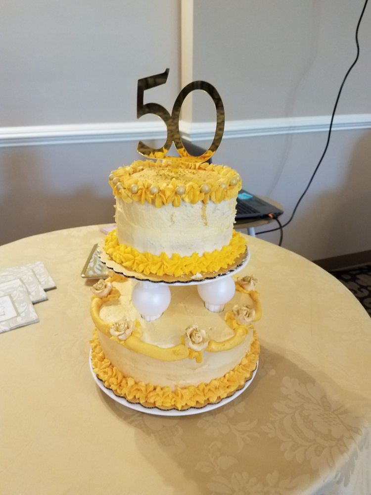 M&E Edibles Cake DeZigns and Catering: Chalfont, PA
