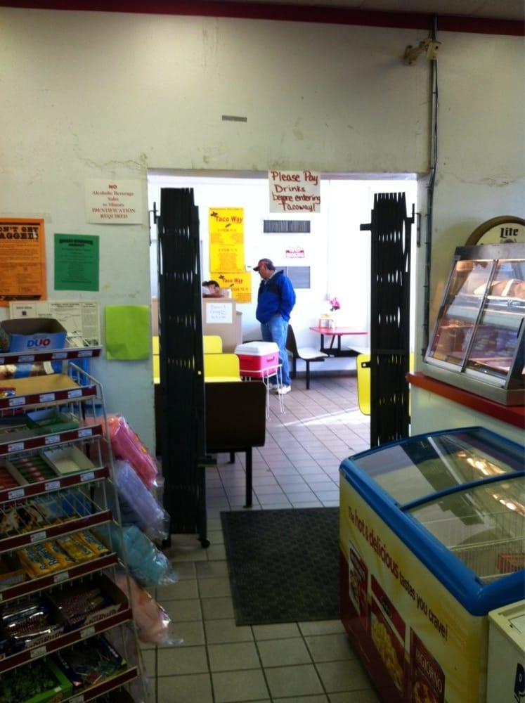 Taco Way: 1301 N Getty St, Uvalde, TX