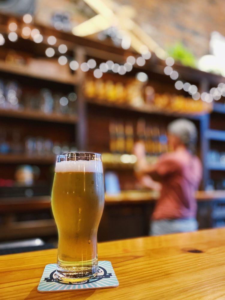 Jubeck New World Brewing: 115 W 11th St, Dubuque, IA