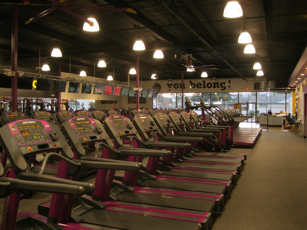 Planet Fitness - Marysville: 1346 State Ave, Marysville, WA