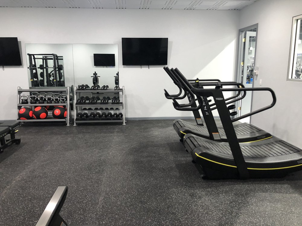 Athletica Health and Fitness: 4015 Santa Barbara Blvd, Naples, FL
