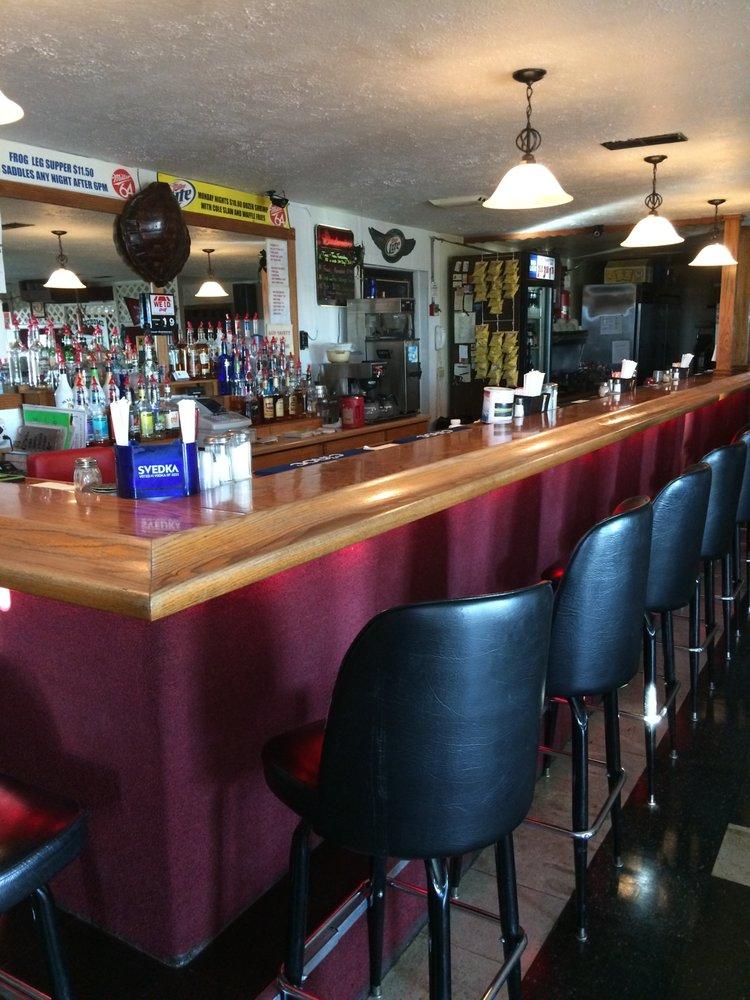 Circle II Bar & Grill: 503 W Cleveland St, Heyworth, IL