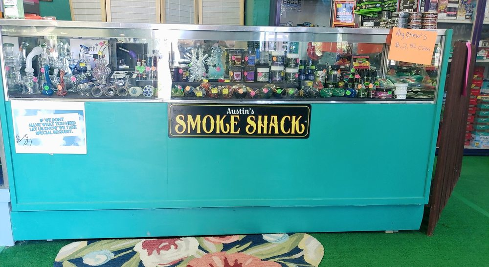Austin's Smoke Shack: 13282 Central Ave, Mayer, AZ