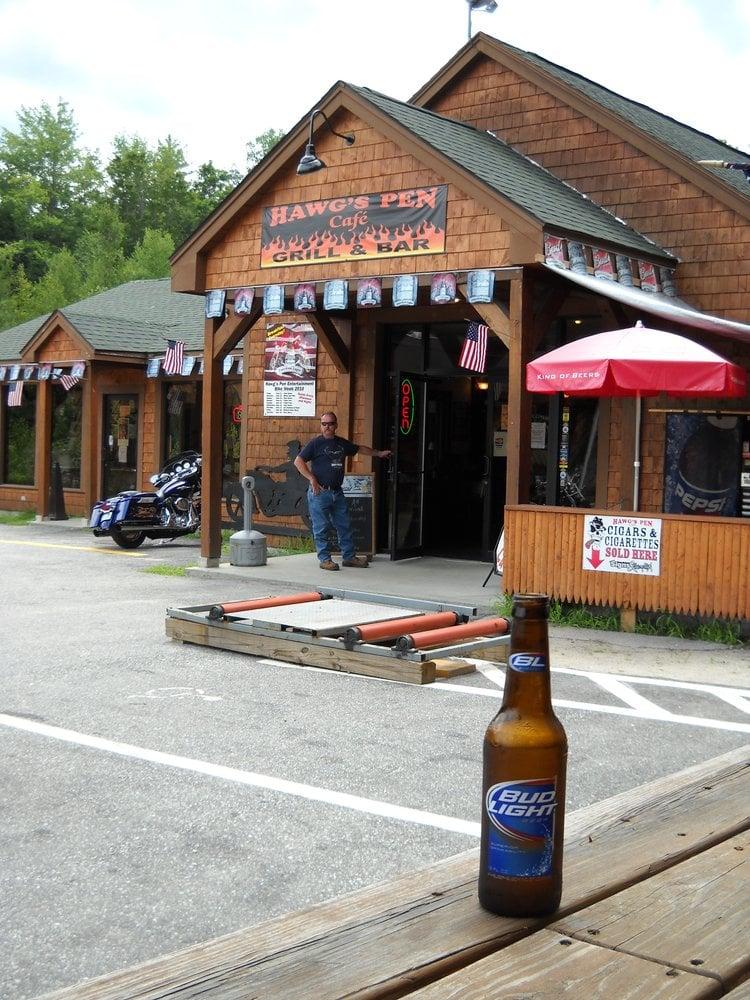 Hawg's Pen Cafe: 1114 Nh Rte 11, Farmington, NH