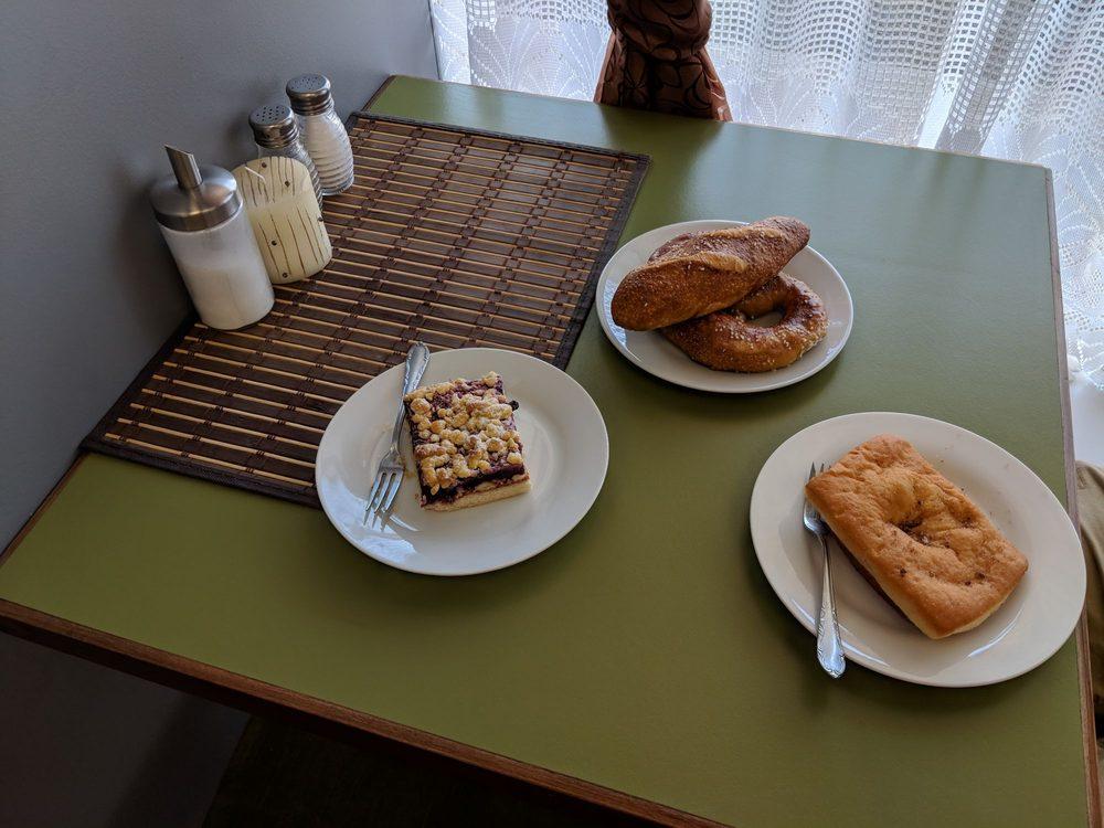 Bread & Bretzel Basket