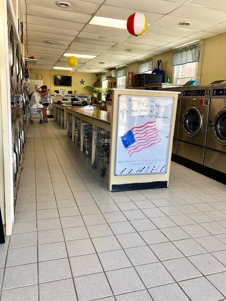 Helen's Superclean Coin-Op Laundry: 361 Union Ave, Laconia, NH