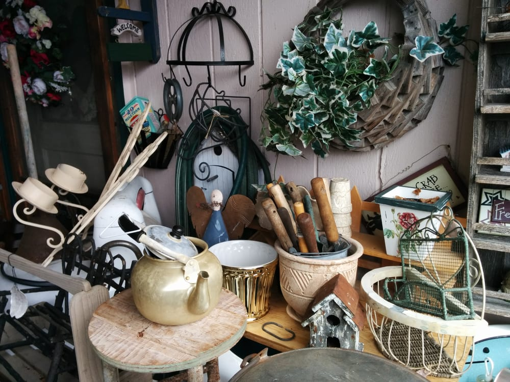 Survivor's Den What Not Shop: 113 E Anderson St, Elma, WA