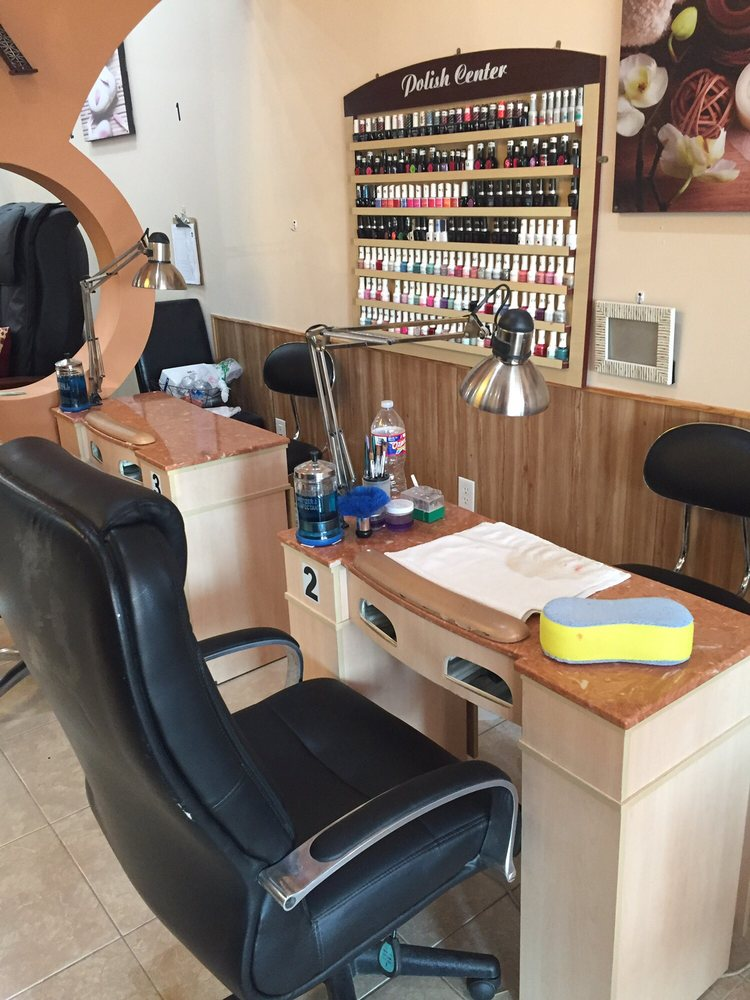 Royal Nails: 1121 S Magnolia St, Woodville, TX