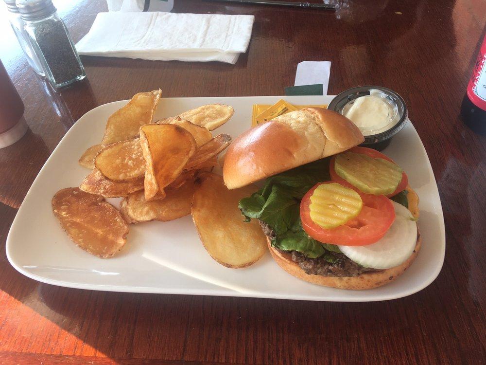 Frank's Pub & Grill: 2981 Harrah's Pkwy, Robinsonville, MS