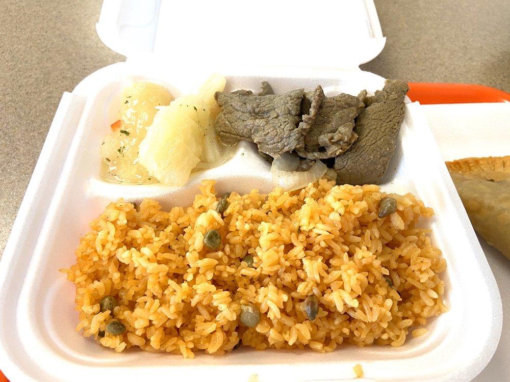 El Gustazo Puerto Rican Restaurant: 3505 Spring St, Racine, WI