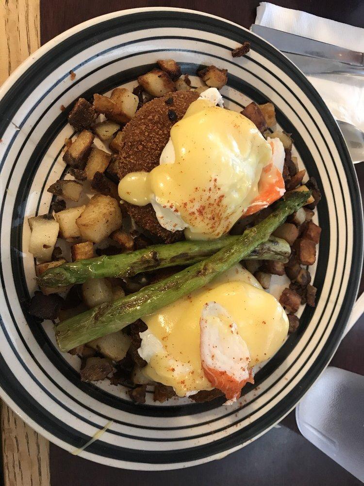 Deb's Restaurant: 40 Saybrook Rd, Higganum, CT