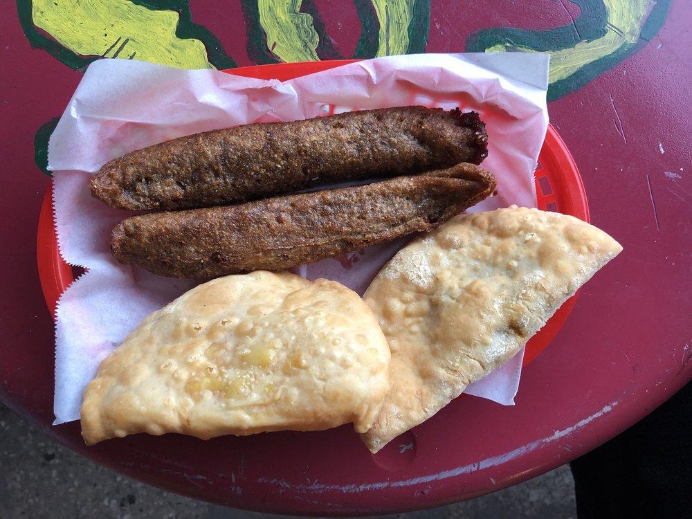 SOS  Burger: Avenida Las Nereidas, Cataño, PR