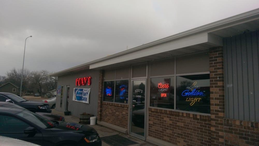 Foxy's Bar Grille & Casino: 137 5th St NE, Watertown, SD