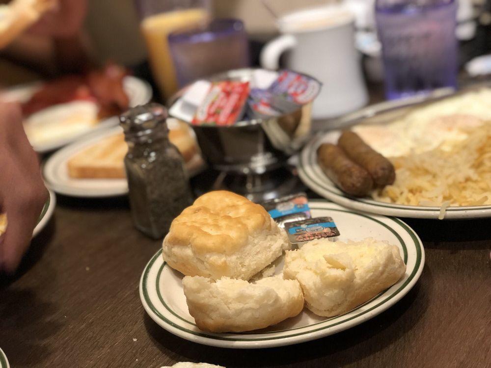Ruby's Inn Restaurant: 1000 S Hwy 63, Bryce Canyon, UT