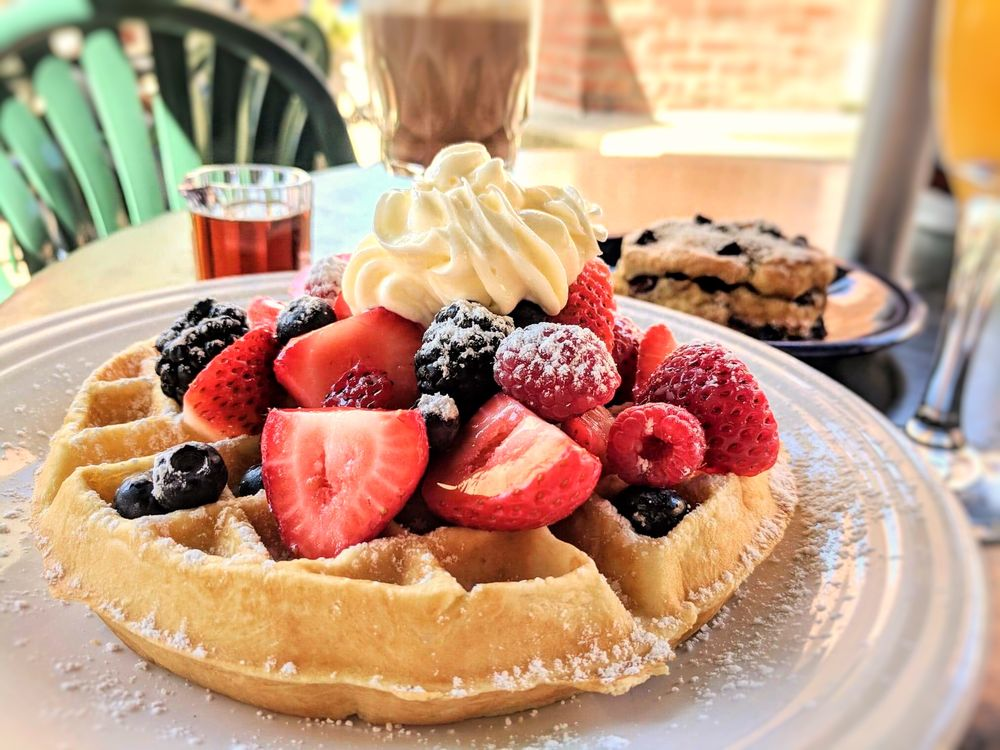 Cafe Borrone: 1010 El Camino Real, Menlo Park, CA