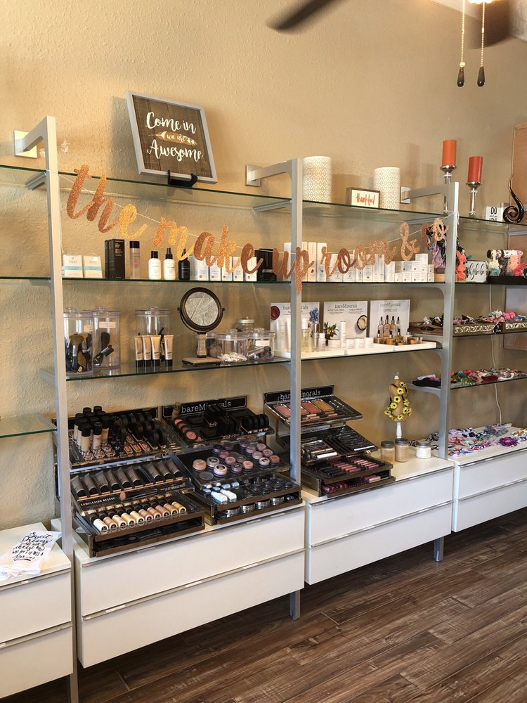 The Makeup Room & Company: 860 Hazel St, Gridley, CA