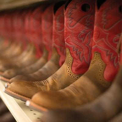 Murdoch's Ranch & Home Supply: 170 Heritage Ln, Polson, MT