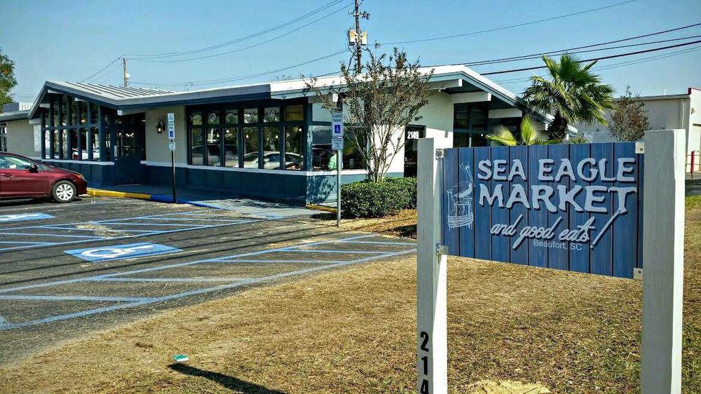 Sea Eagle Market & Good Eats: 2149 Boundary St, Beaufort, SC