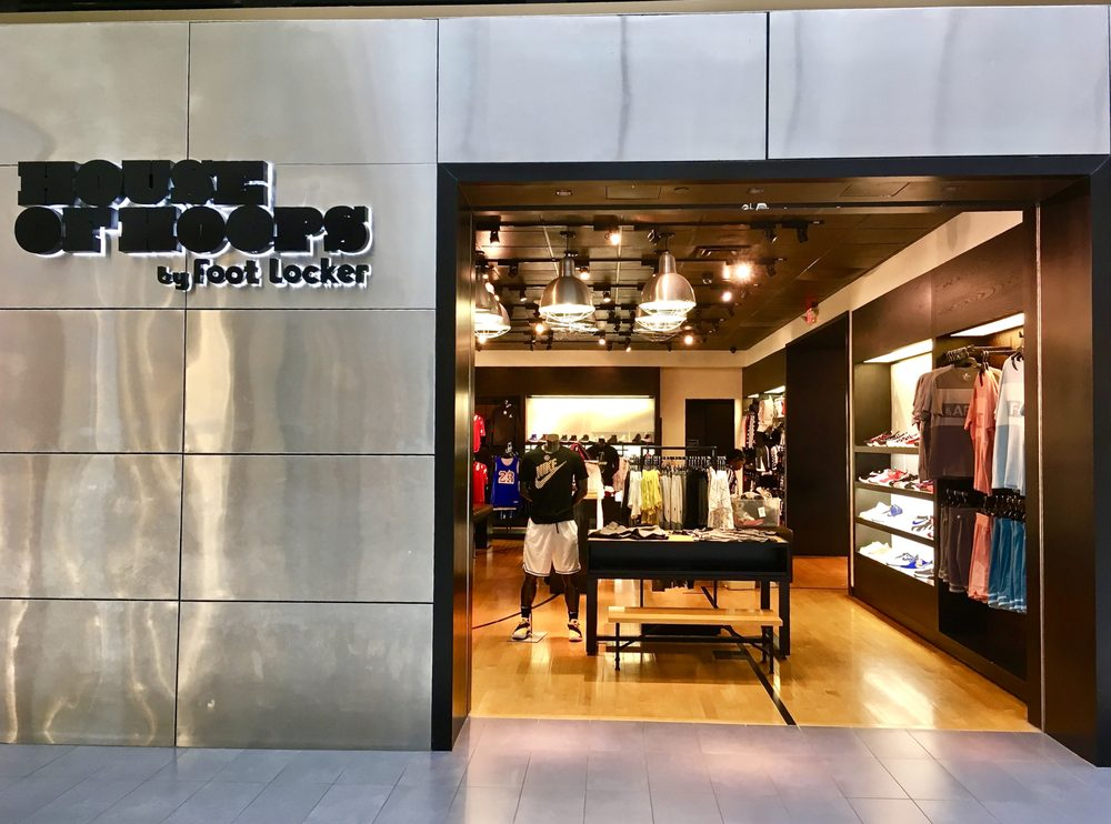 House of Hoops by Foot Locker: 2000 Riverchase Dr, Hoover, AL