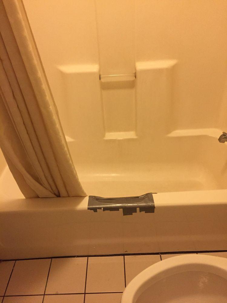 Motel 6: 139 Frontage Rd, Lafayette, IN