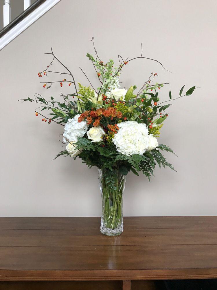 Ways Florist: 625 E Cypress St, Kennett Square, PA