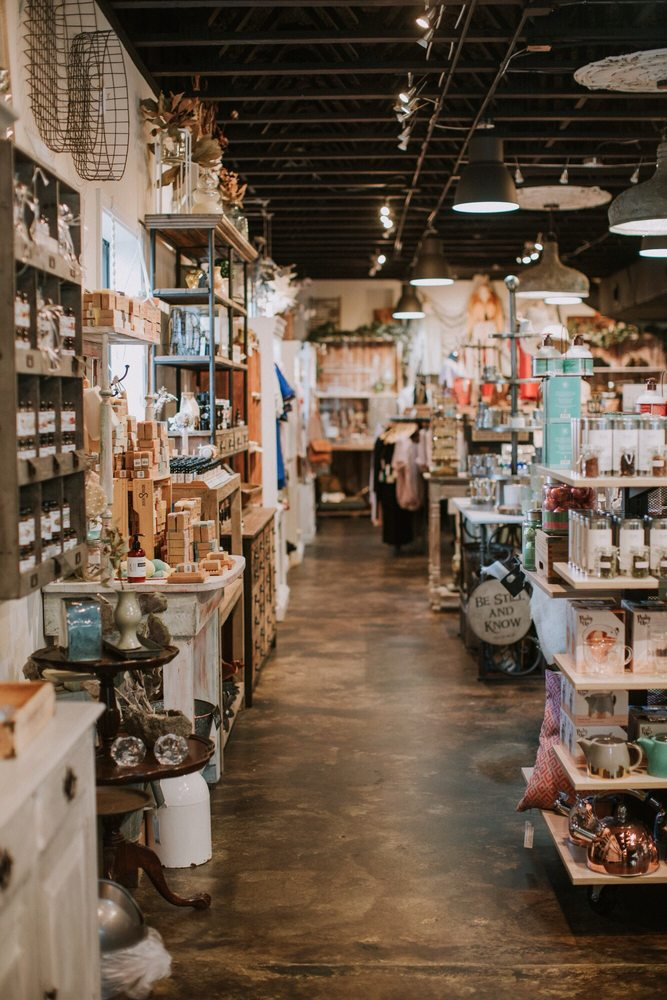 Blume Organics Boutique & Café: 300 Willowbend Rd, Peachtree City, GA